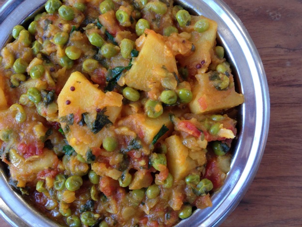 Easy Potato & Pea Curry