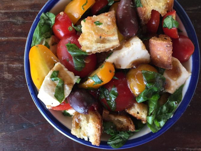 Meatless Monday – Panzanella (Tuscan Bread Salad)
