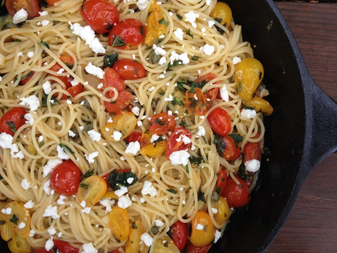 Meatless Monday – Spaghetti with Cherry Tomatoes and Garlic